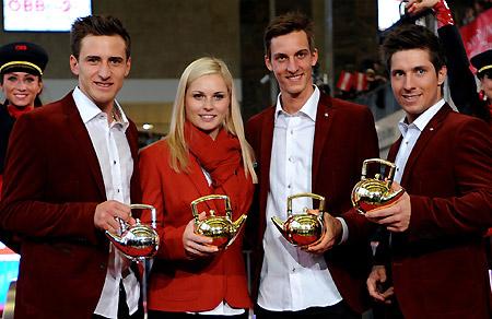Die Teekannen-Gewinner 2012/13: Matthias Mayer (Newcomer of the year), Anna Fenninger (Ski Alpin Damen), Gregor Schlierenzauer (Nordisch) und Marcel Hirscher (Ski Alpin Herren)(Foto: Erich Spiess)