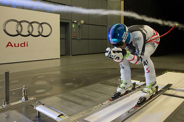 Matthias Mayer bei den Tests im Windkanal. (Foto: Audi AG)
