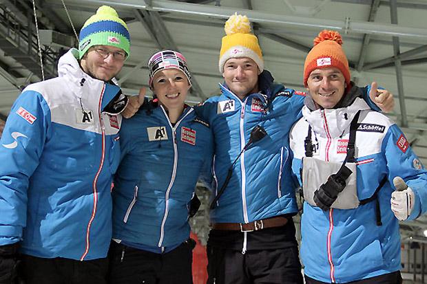 Die Trainer/Betreuer Daniel Lödler, Corina Stocker, Michael Wildauer und Stefan Schwab (v.l.) beim Schneetraining in Wittenburg. (Foto: ÖSV)