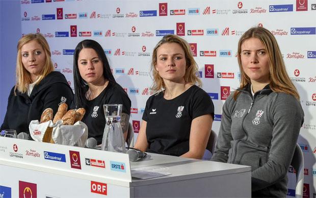 Das ÖSV-Olympia-Slalom-Team: Katharina Gallhuber, Stephanie Brunner, Bernadette Schild und Katharina Liensberger (© ÖOC-Medien / Olympia.at)