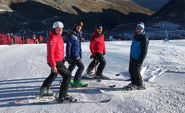 Rupert Steger, Markus Mayr, Isidor Grüner und Rainer Gstrein (v.l.) bei der Streckenbesichtigung. (Foto: © ÖSV/Aichner)