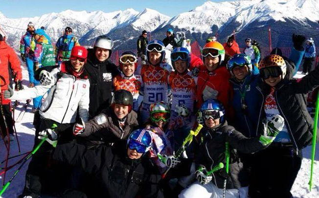 ©  Conny Hütter / Start zum 1. Abfahrtstraining mit unseren Schweizer und Liechtensteiner Freundinnen! Olympia verbindet
