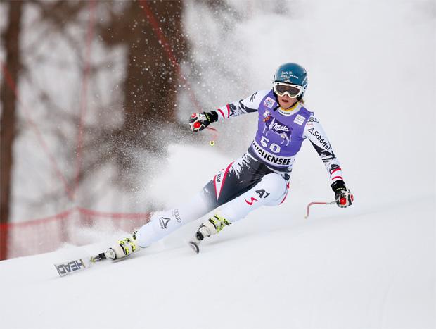 © HEAD / Nina Ortlieb Junioren-Riesentorlaufweltmeisterin 2015