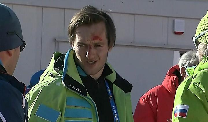 Rok Perko (SLO) nach seinem Sturz im Zielraum