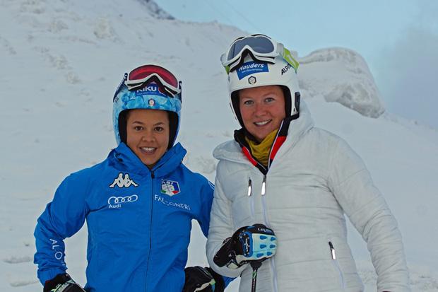 Karoline Pichler und Lisa Magdalena Agerer stehen wieder auf den Skiern (Foto: Gerhard Agerer)