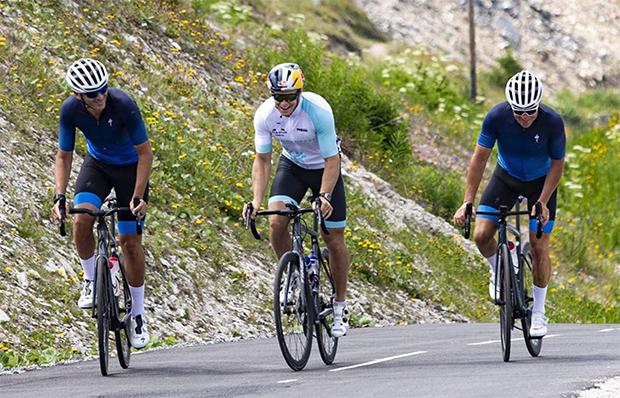 Alexis Pinturault ist auch mit dem Rennrad nicht zu stoppen (Foto: © Alexis Pinturault / Instagram)