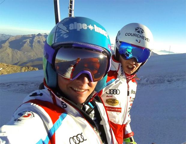 Jenny Piot und Noémy Larrouy in Les Deux Alpes. (© Jennifer Piot)