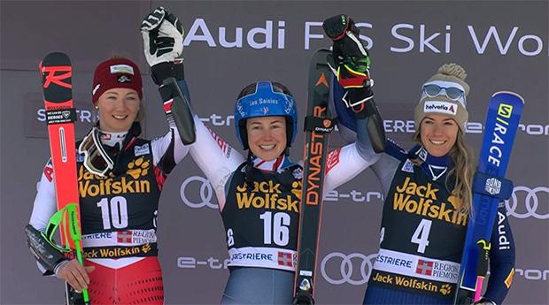 Das Siegerpodest beim Parallel-Riesenslalom von Sestriere: Elisa Mörzinger, Clara Direz und Marta Bassino