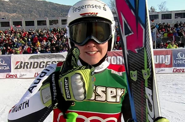 Viktoria Rebensburg führt nach dem 1. Durchgang beim Riesenslalom von Lienz