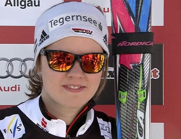 Viktoria Rebensburg führt nach dem 1. Durchgang beim Riesenslalom in Ofterschwang