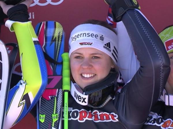 Viktoria Rebensburg gewinnt Riesenslalom am Freitag in Ofterschwang