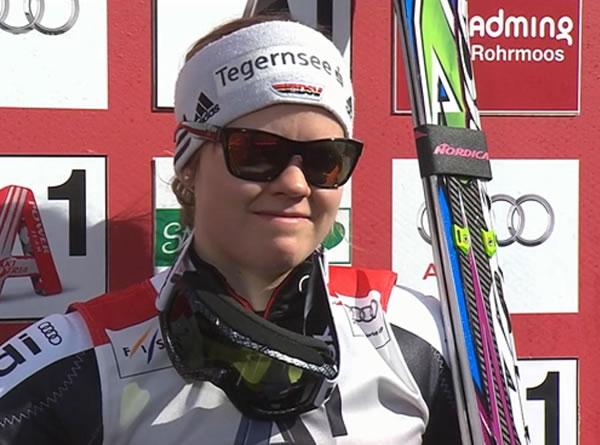 Viktoria Rebensburg führt beim Riesenslalom in Schladming und hat Disziplinenkugel so gut wie sicher