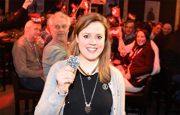 Die Gäste im TirolBerg bereiteten Viktoria Rebensburg einen begeisterten Empfang. (Foto: Tirol Werbung / Erich Spiess)