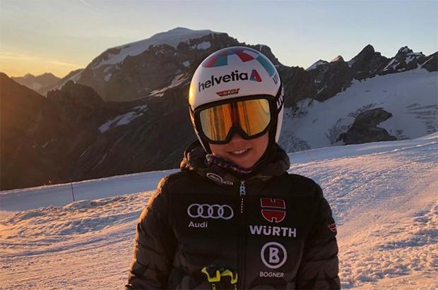 Vicky Rebensburg bereitet sich in Saas Fee auf Ski Weltcup Saison 2019/20 vor (© Viktoria Rebensburg/Facebook)