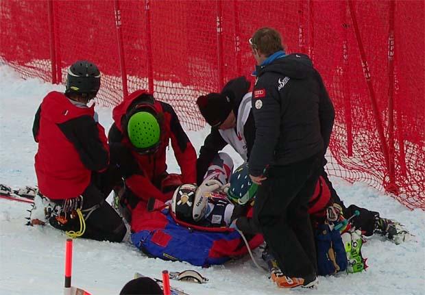 Hannes Reichelt erlitt, bei der Abfahrt auf der Streif, eine Knochenprellung im Knie.
