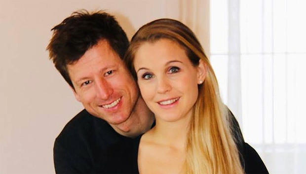 Vaterfreuden bei Hannes Reichelt und Larissa Hofer (Foto: Hannes Reichelt / facebook)