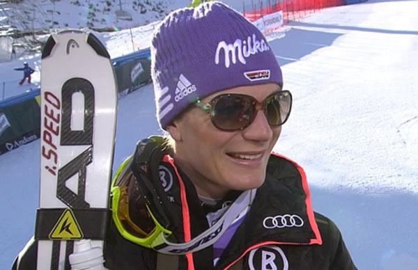 Maria Höfl-Riesch in Soldeu (AND) auf dem Podest