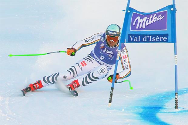 Andreas Sander raste beim Super-G von Val d'Isère in die Top-10