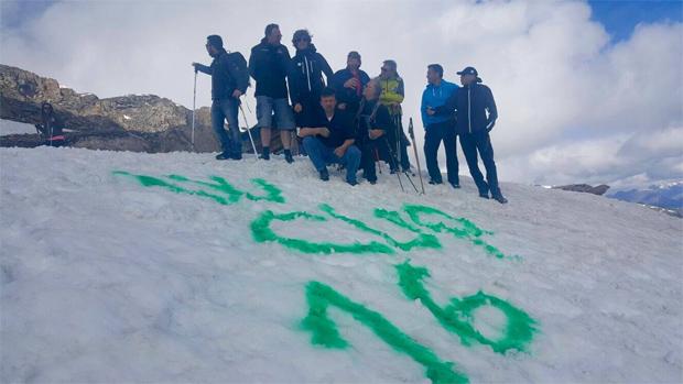 Die grüne Farbe soll die Schlüsselstellen besser erkennen lassen (Foto: S.Caterina Fis Ski World Cup / Facebook)