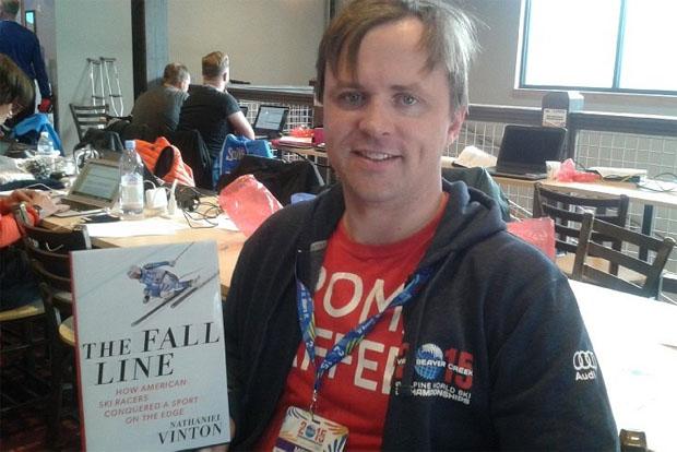 """© saslong.org  /  Das Buch """"The Fall Line"""" (Die Falllinie) des amerikanischen Skijournalisten Nathaniel Vinton"""