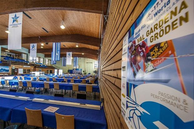 © saslong.org / Blick in das Pressezentrum von Gröden / Val Gardena
