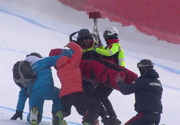 Florian Scheiber wird mit dem Rettungshubschrauber geborgen