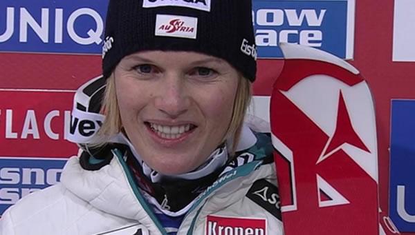 Marlies Schild liegt nach dem 1. Slalom Durchgang von Flachau in Führung