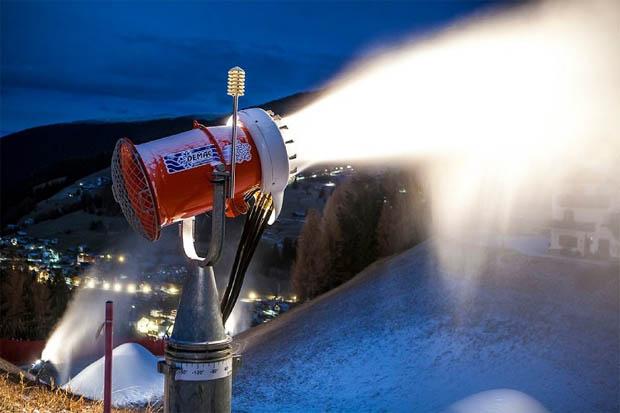 © saslong.org / Saslong News: 69 Schneekanonen sorgen für Schneesicherheit