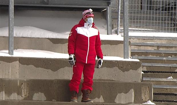 ÖSV-Präsident Peter Schröcksnadel fühlte sich schon etwas einsam auf der Gletscher-Stadion-Tribüne