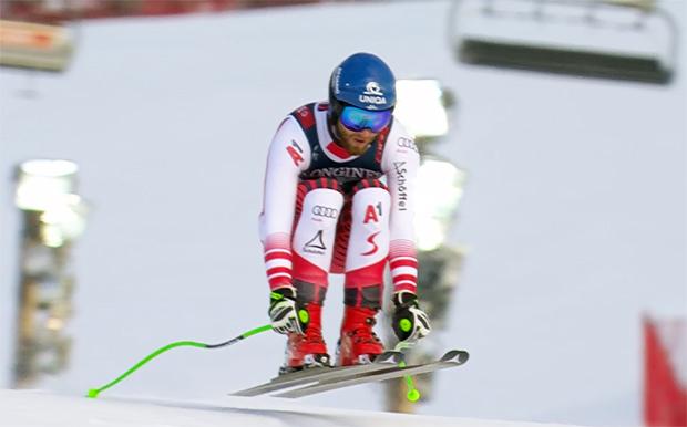 Marco Schwarz greift bei der WM-Kombination in Are nach einer Medaille