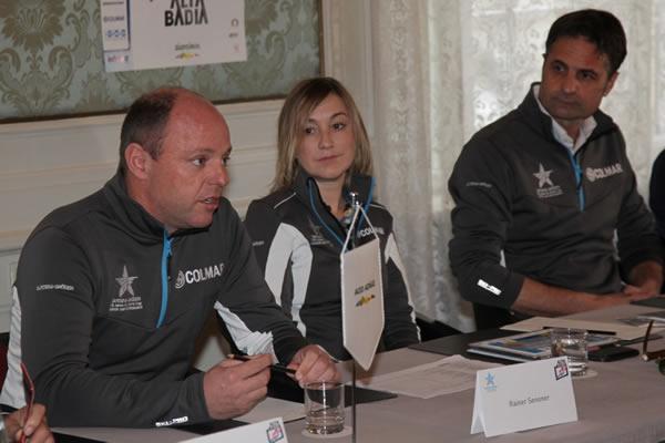 © saslong.org  Ein starkes Team: Rainer Senoner, Stefania Demetz & Gernot Mussner