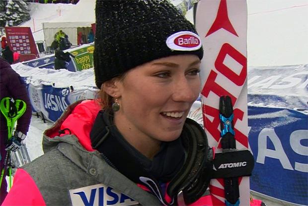 Mikaela Shiffrin freut sich über klare Führung im Torlauf von Jasná