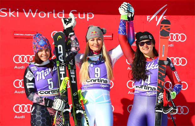 © Kraft Foods /  Lindsey Vonn und Jacqueline Wiles gemeinsam auf dem Podest in Cortina d'Ampezzo