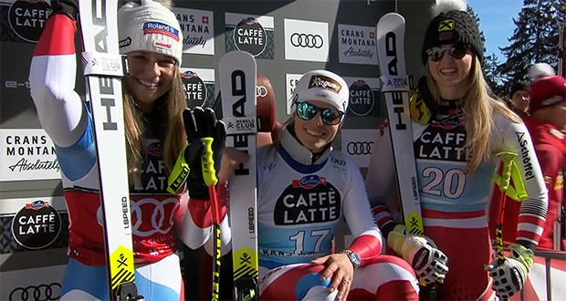Corinne Suter (Abfahrtsweltcupsiegerin 2019/20, Lara Gut-Behrami und Nina Ortlieb