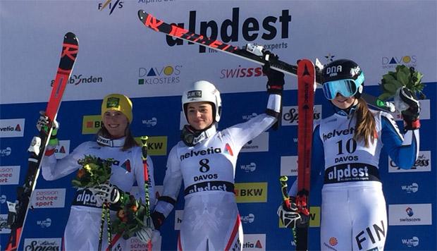 Das Riesenslalom Junioren WM Podest in Davos: Katharina Liensberger, Julia Scheib und Riikka Honkanen (Bild: ÖSV / Christian Gerber)