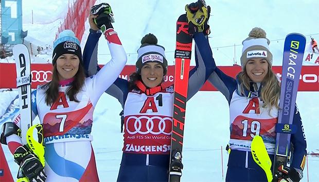Alpine Kombination in Zauchensee: Wendy Holdener, Federica Brignone und Marta Bassino.