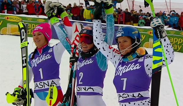 Das Slalom Siegerbild von Jasná: Wendy Holdener, Mikaela Shiffrin und Veronika Velez-Zuzulova