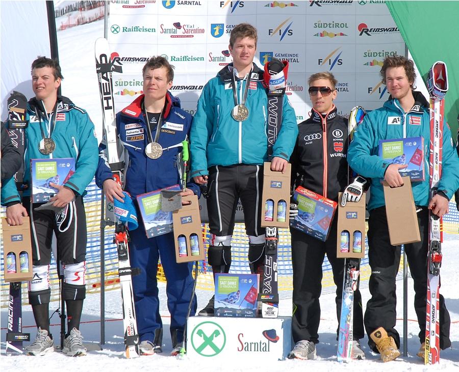 © ski.sarntal.com / Das Siegerpodium bei der Europacupabfahrt in Sarntal / Reinswald