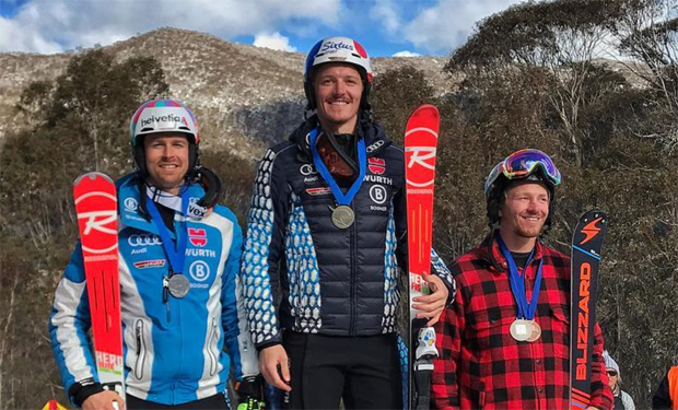 Linus Straßer gewann auch das zweite Slalomrennen in Thredbo, vor Mannschaftskollegen Stefan Luitz und dem US-Amerikaner Robby Kelley. (Linus Straßer / instagram)