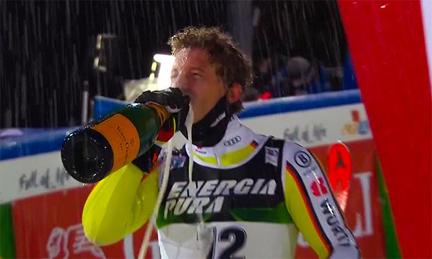 Linus Straßer nach seinem 1. Slalom Weltcupsieg in Zagreb