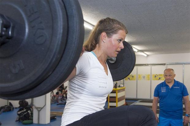 Volle Konzentration bei Nationalmannschafts-Athletin Corinne Suter. (Foto: Stephan Bögli / Swiss-Ski.ch)