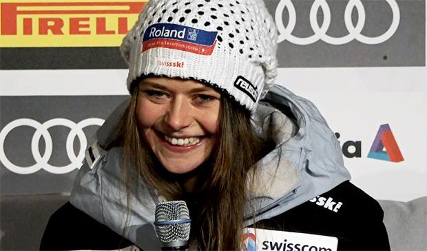 Die schweizerische Abfahrtsmeisterin heißt Corinne Suter