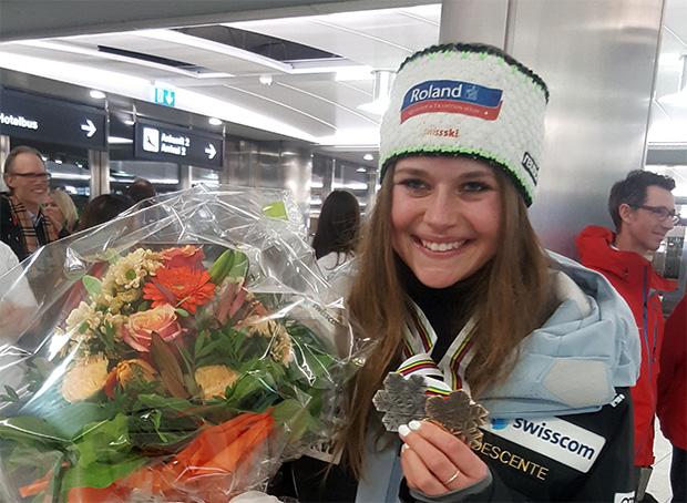 """Corinne Suter im skiweltcup.tv-Interview: """"Ich will da weitermachen, wo ich aufgehört habe!"""" (© Corinne Suter)"""