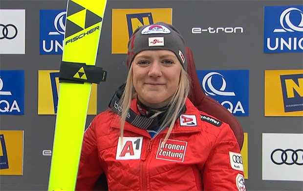 Katharina Truppe verbessert sich im zweiten Durchgang auf Platz fünf.