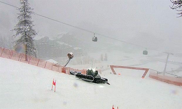 Bei Absage könnte der Super-G am Montag in Val d'Isere nachgetragen werden.