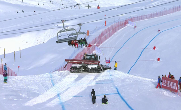 Nach dem Sturz von Steffi Moser wurde der Colombin- Sprung mit einer Pistenraupe abgetragen.