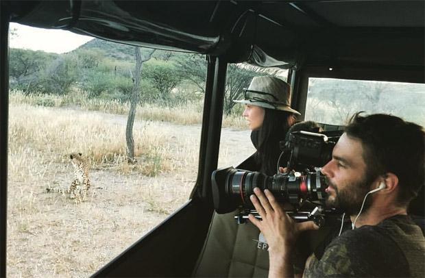 Anna Veith besucht Geparden und Einwohner Namibias (Foto: Anna Veith / Facebook)
