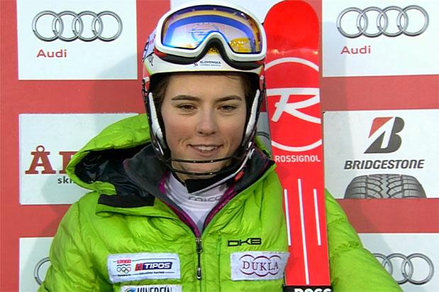 Junge Slowakin Petra Vlhová führt nach dem ersten Slalom-Durchgang von Åre