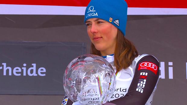Gesamtweltcupsiegerin Petra Vlhová holt sich Servicemann Bruno Grandi ins Team