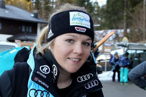 © Gerwig Löffelholz / Die deutsche Super-G-Meisterin Michaela Wenig freut sich über ihren Erfolg